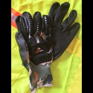 Other - Camouflage gloves 9/LG